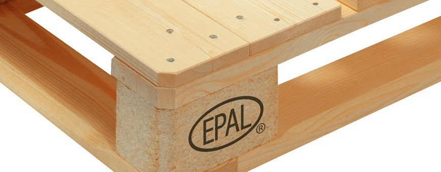 Pallets used for transporting and handling goods | DesignFriends